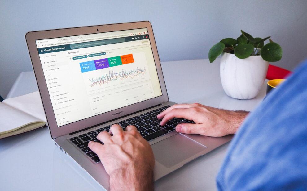 Empezando con la analítica web 4: Instalando Google Analytics